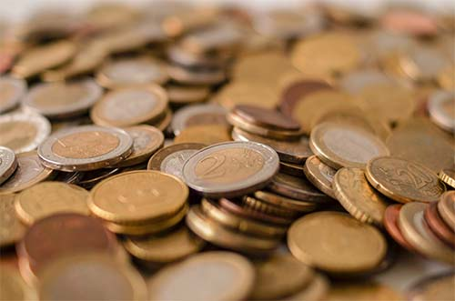 Monedas por encuestas